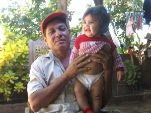 CEPRODEL client Marvin Ordoñez with his granddaughter.