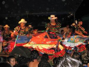 Dancers from UNAN León - look, hobby horses!